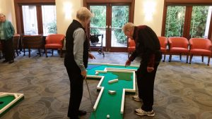 Residents hit the green at Fairwinds-Redmond
