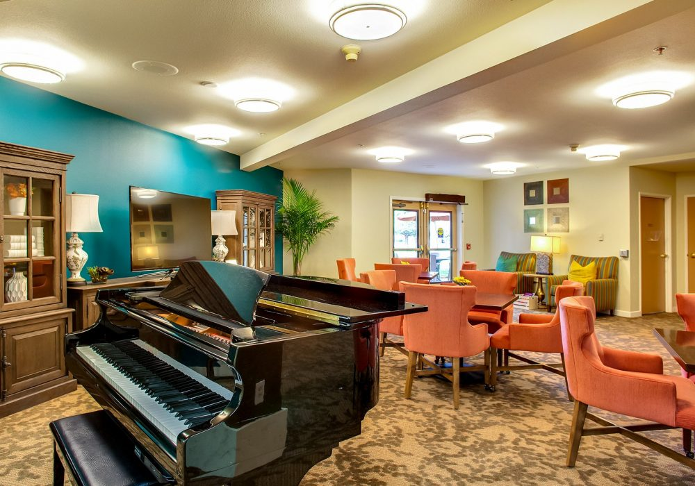 Common Room - Canfield Place Retirement Community