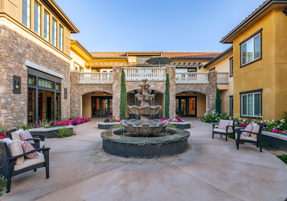 Courtyard at Bella Villaggio