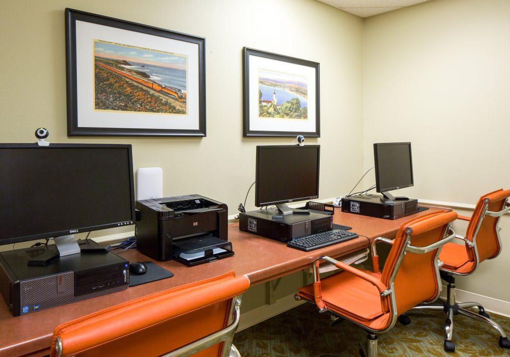 Computer Room - Fairwinds - West Hills Retirement Community