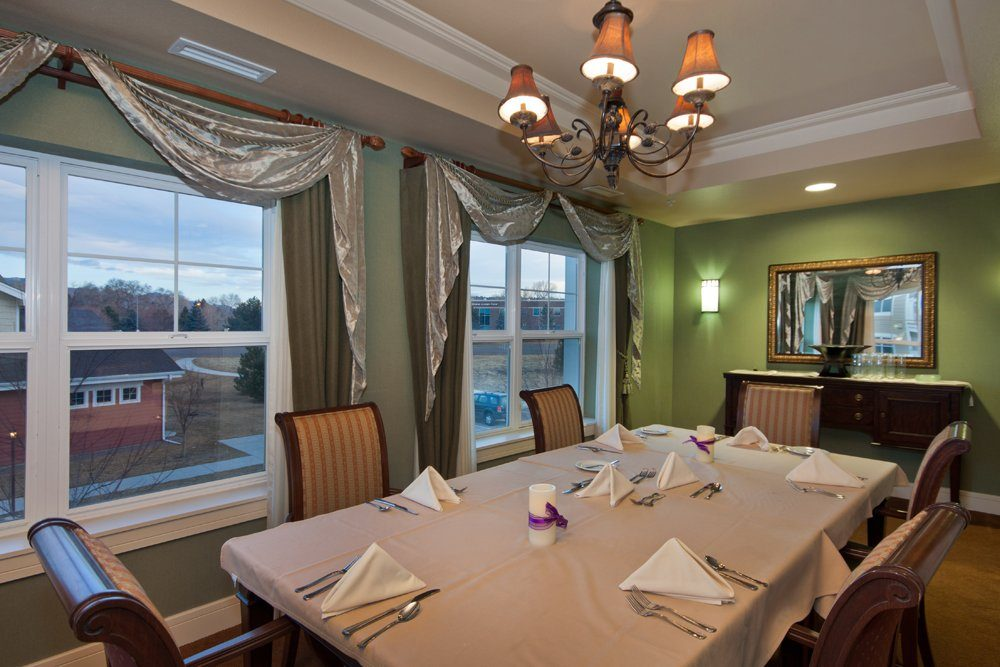 Private Dining Room - MacKenzie Place Retirement Community Colorado Springs