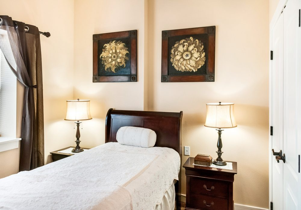 Bedroom - MacKenzie Place Memory Care Fort Collins