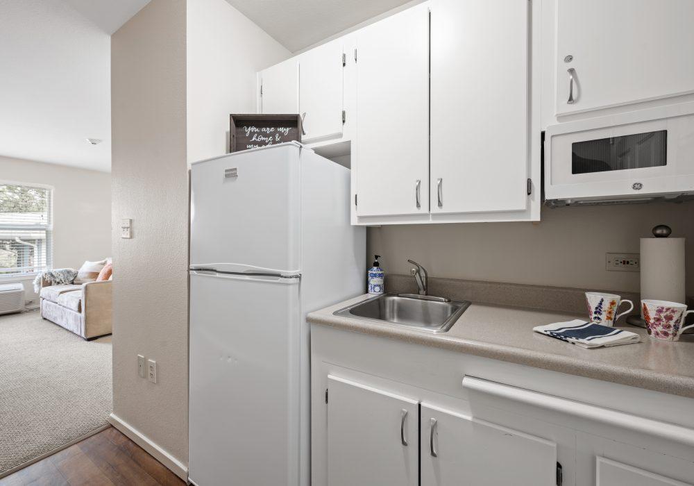 Markham House Apartment Kitchen 1