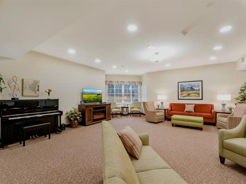 Memory care living room at The Landing of Towamencin
