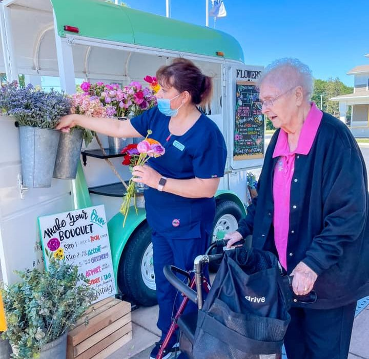 Resident Choose Flowers From Bar Fiore